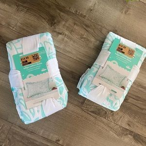 Other - Scalloped edge cotton shams with teal bird print
